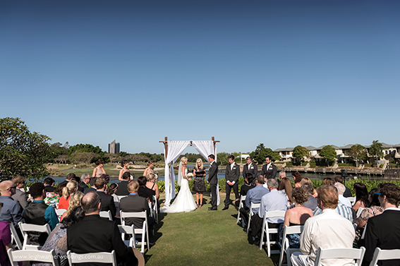 white-arch-wedding-1